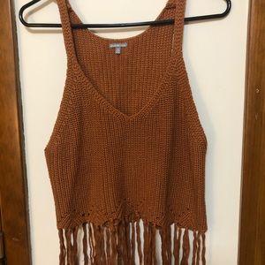 Sleeveless brown fringe knitted shirt